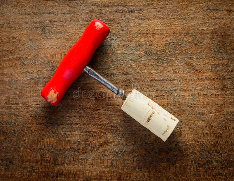红色拔塞螺旋和黄柏 免版税库存照片