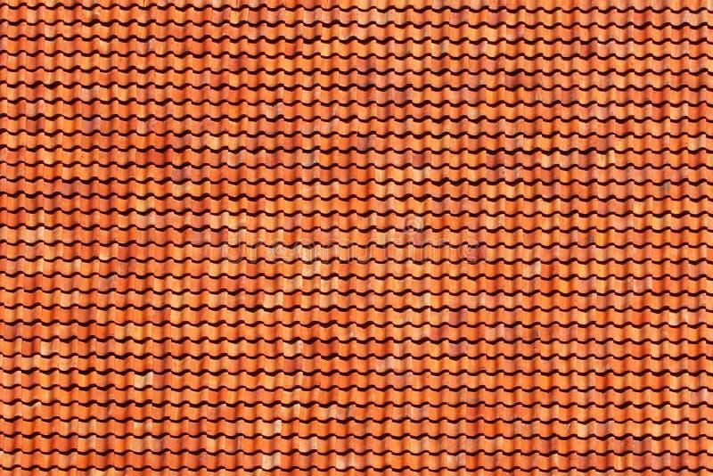 红色木瓦纹理  古老和富有的大厦屋顶的自然材料  建筑学和建筑 外在d 库存图片