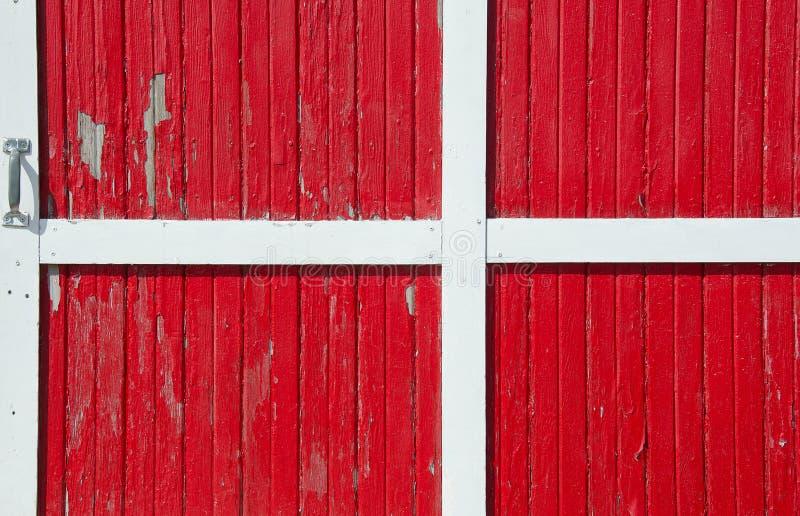 红色毂仓大门 库存图片