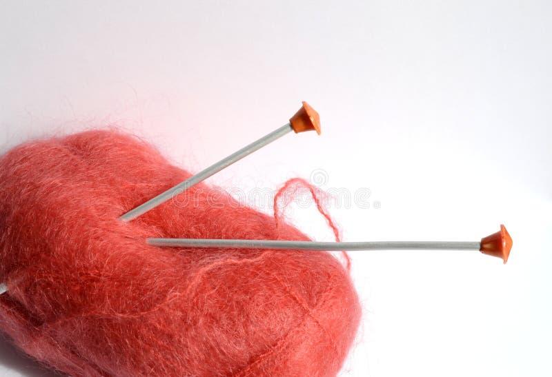Download 红色毛线丝球 库存照片. 图片 包括有 红色, 字符串, 刺绣用品, 羊毛, 丝球, 纱线, 业余爱好, 编织 - 30333308