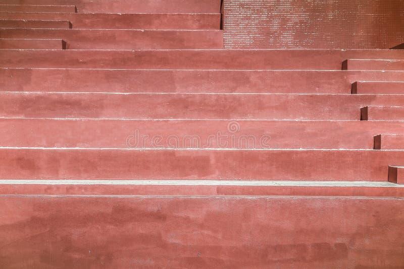 红色油漆楼梯,葡萄酒样式 库存照片