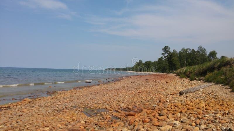 红色海滩贝加尔湖 库存照片