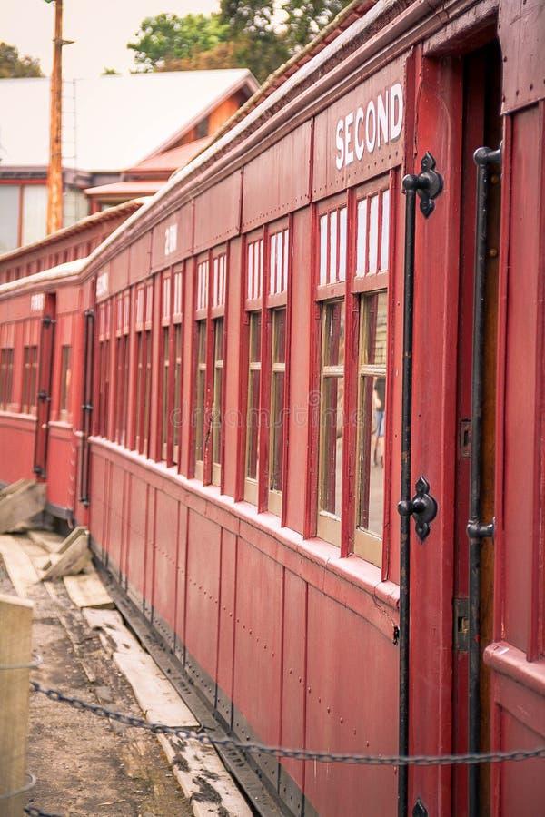 红色火车支架 免版税图库摄影