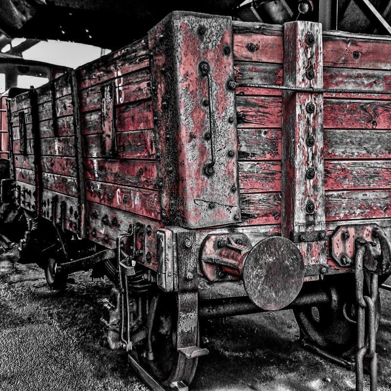 红色煤炭卡车 免版税库存照片
