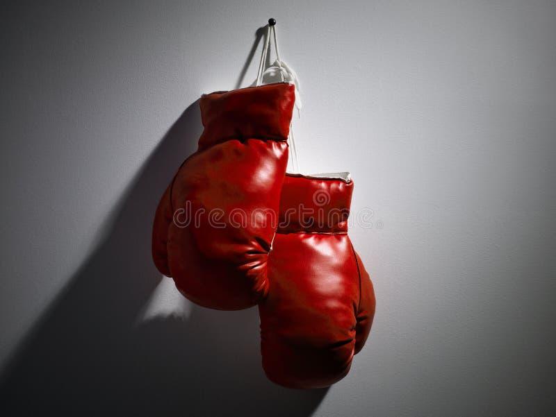 红色的拳击手套 图库摄影