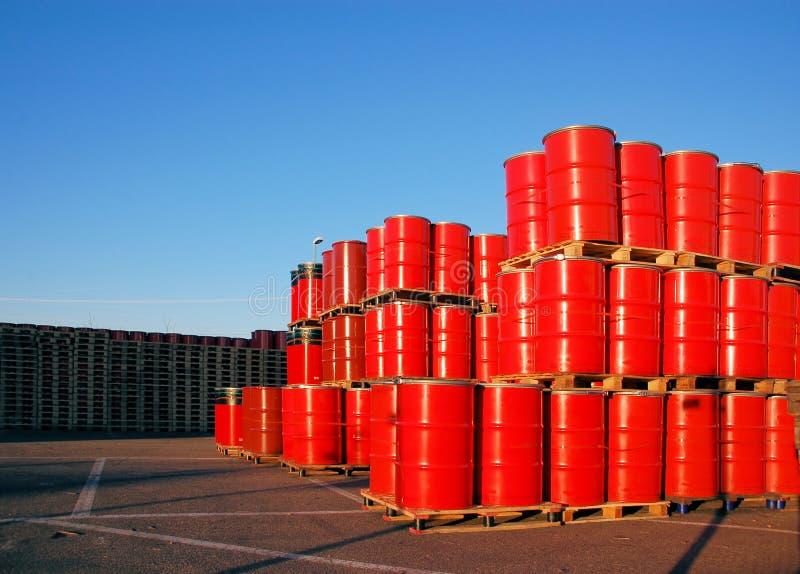 红色的oildrums 库存图片