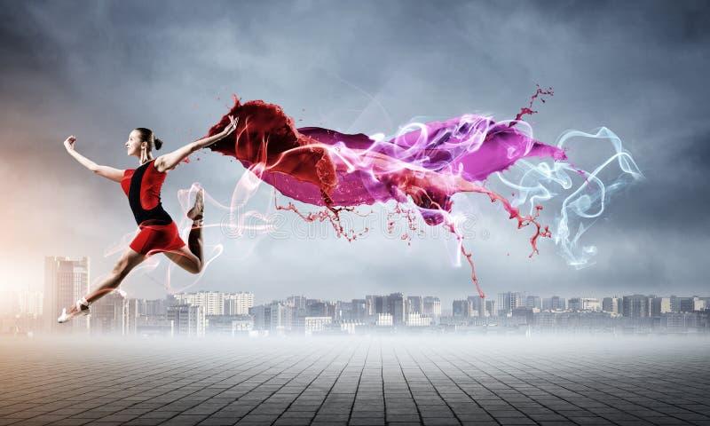 红色礼服的芭蕾舞女演员 库存图片