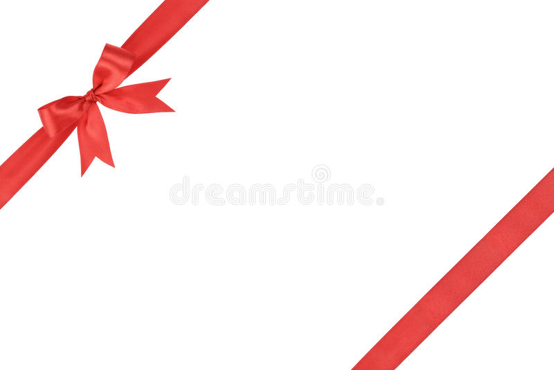 红色简单的被栓的丝带弓构成 免版税库存图片