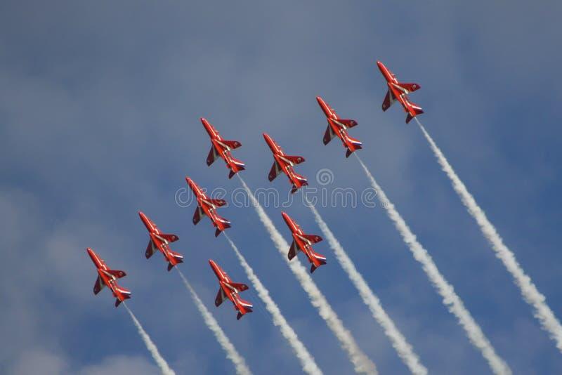 红色箭头英国皇家空军飞行表演 免版税库存照片