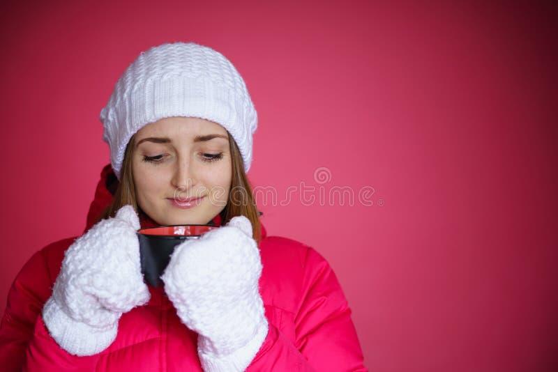 红色粗呢夹克的妇女 库存图片