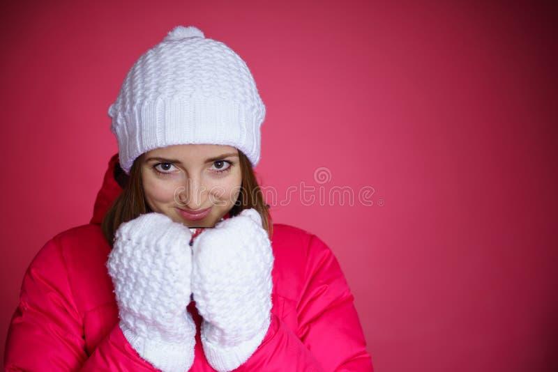 红色粗呢夹克的妇女 图库摄影