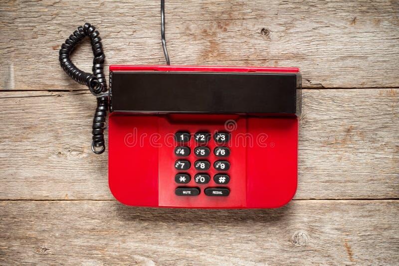 红色葡萄酒电话顶视图  免版税库存照片