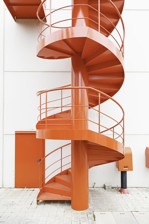红色螺旋形楼梯 库存照片