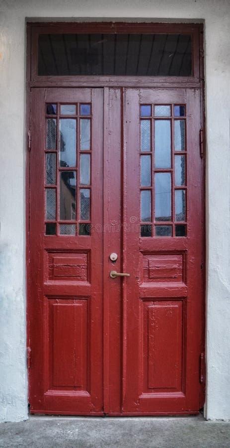红色门在Åmål,瑞典 库存图片