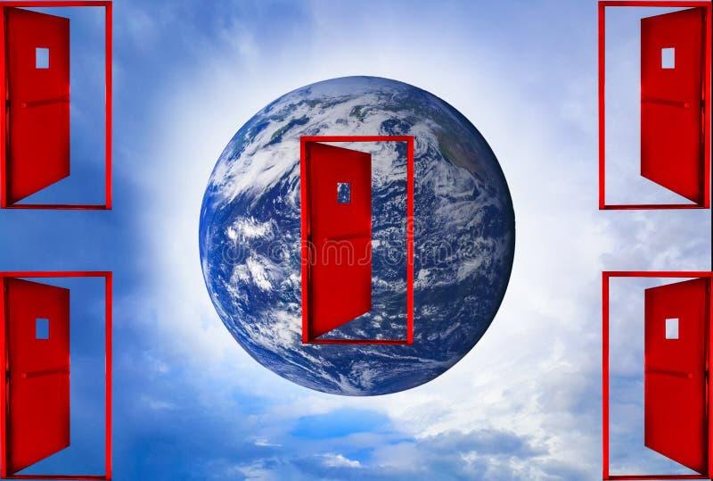 红色门在天空,世界中在中部漂浮,与天空明白蓝色 皇族释放例证