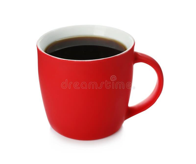红色陶瓷杯子用热的芳香咖啡 免版税库存照片