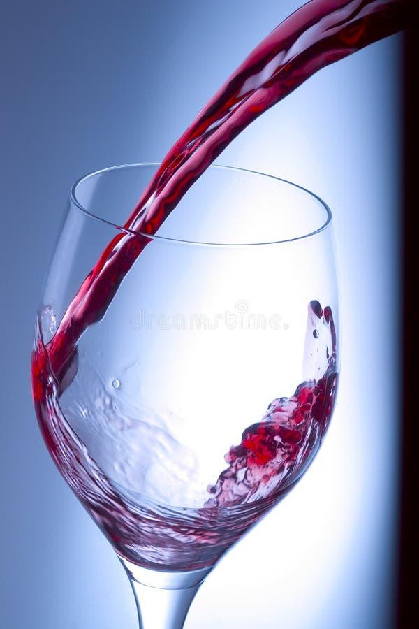 红色飞溅酒 库存图片