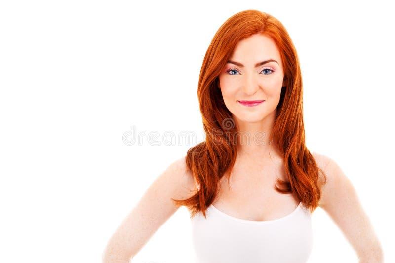 红色头发的可爱的妇女 免版税图库摄影