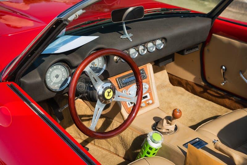 红色1962年法拉利250 GT加利福尼亚Spyder 库存图片