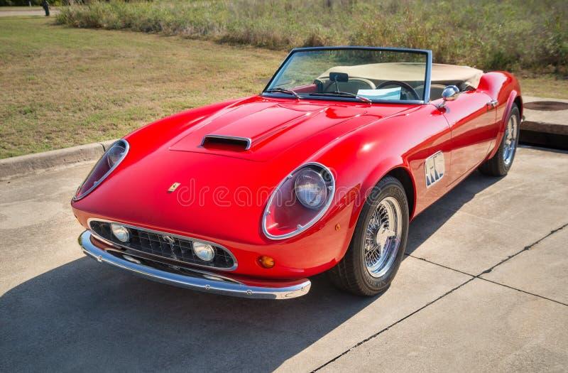 红色1962年法拉利250 GT加利福尼亚Spyder 图库摄影