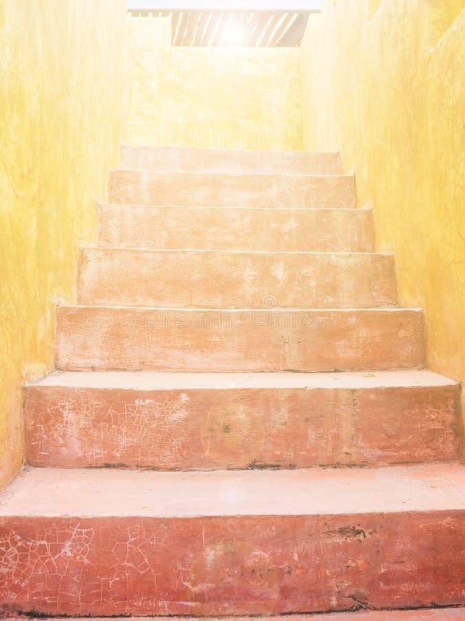 红色水泥楼梯 库存照片