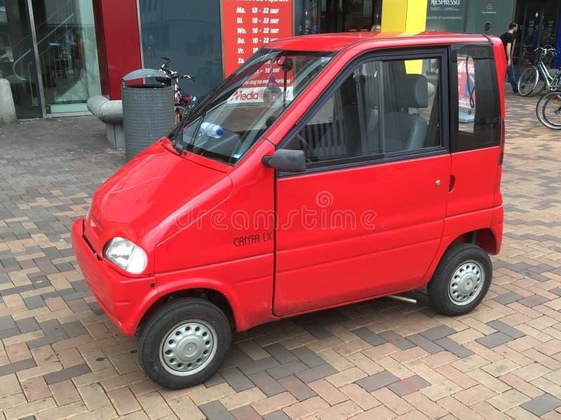红色Canta lx失去能力的车 免版税库存图片