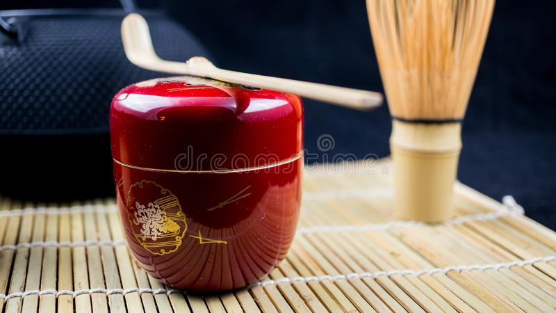 红色natsume和工具 免版税库存照片