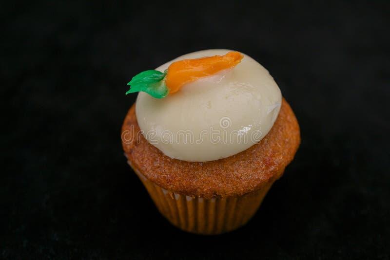红萝卜杯形蛋糕 库存图片