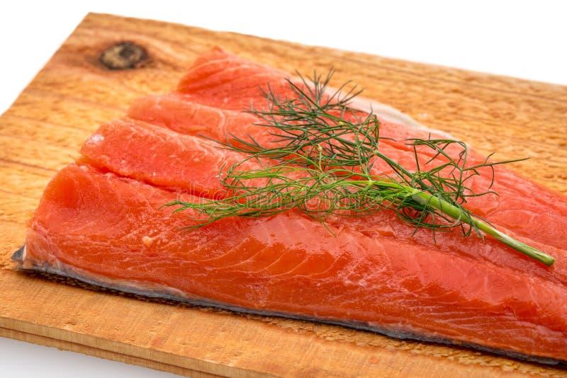 红鲑鱼准备好烤 库存照片
