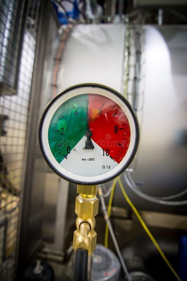 红绿的测量仪 库存照片