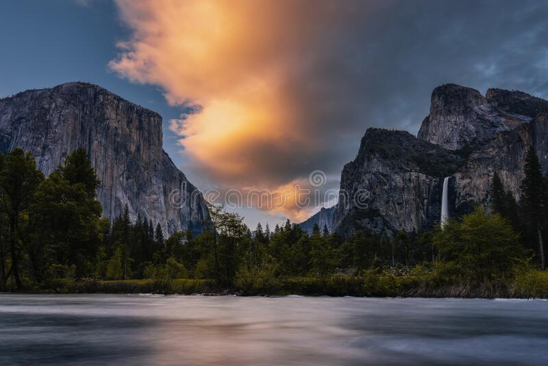 约塞米蒂国家公园的日落 库存图片