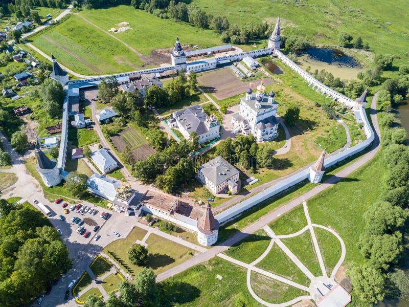 约瑟夫沃洛科拉姆斯克lavra或Josepho-Volotsky修道院、克里姆林宫和湖,在沃洛科拉姆斯克附近,莫斯科,俄罗斯 东正教 库存图片