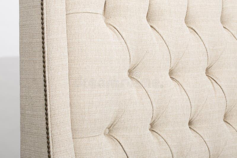 约翰・刘易斯&伙伴贝里RHF轻便马车末端沙发床,意大利设计启发的豪华沙发,阿马飞有皮革室内装饰品与 免版税图库摄影
