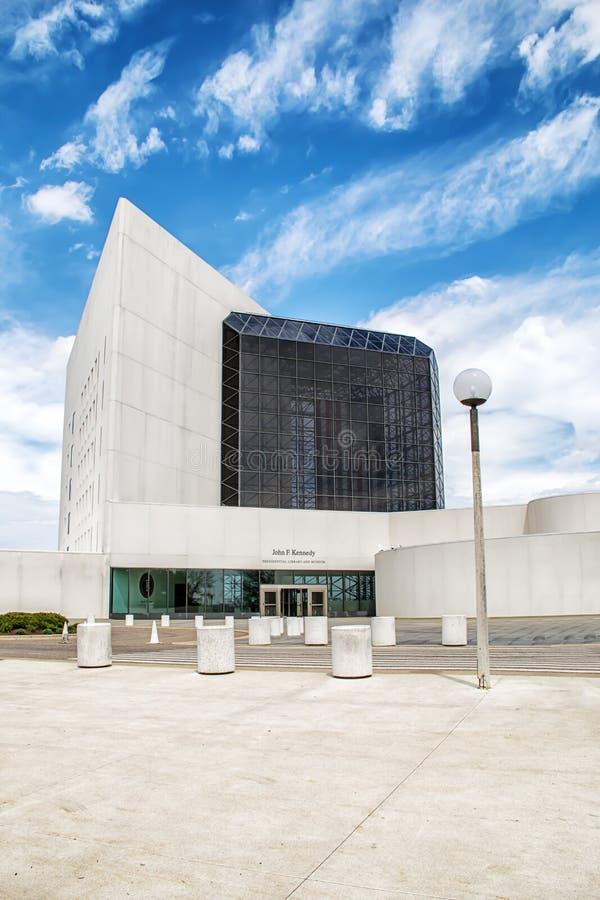 约翰・肯尼迪图书馆博物馆的外部在波士顿马萨诸塞 免版税库存图片