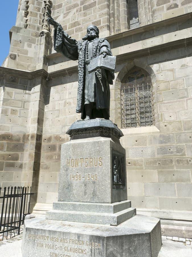 约翰尼斯Honterus雕象在布拉索夫,罗马尼亚 免版税库存图片
