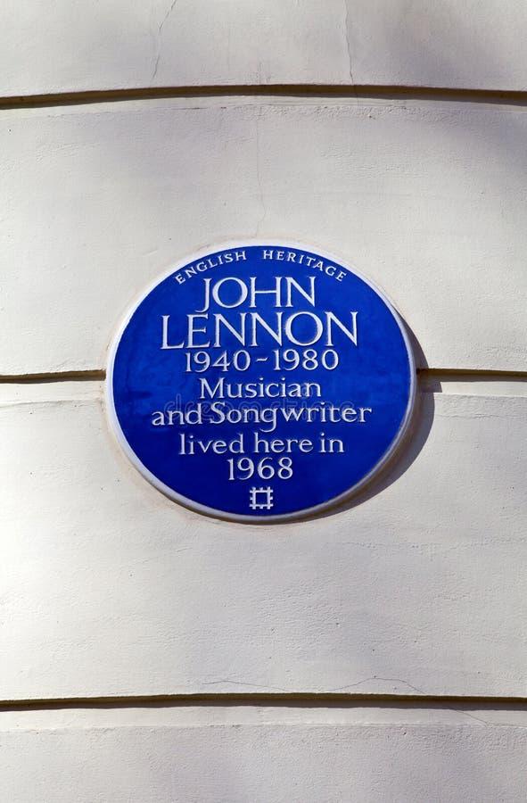 约翰・伦农蓝色匾在伦敦 库存图片