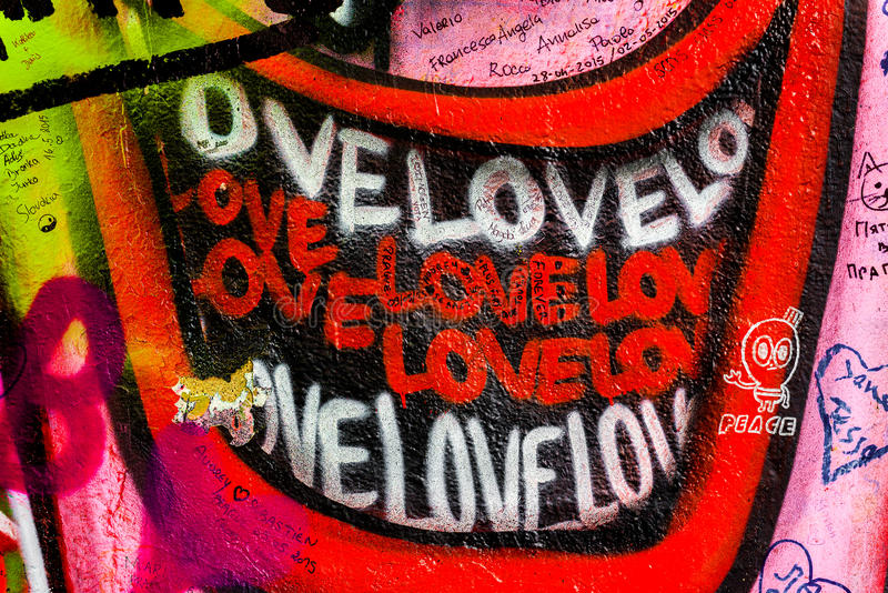 约翰・列侬墙壁在布拉格,著名旅游观光 免版税图库摄影