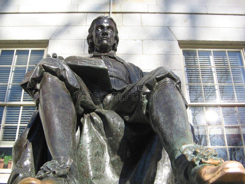 约翰・哈佛雕象,哈佛围场,剑桥,马萨诸塞,美国 库存照片