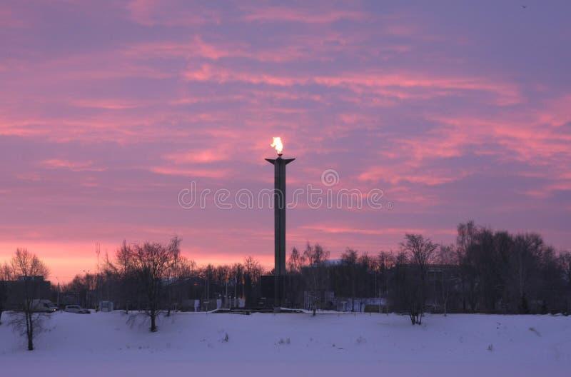 以纪念下落的战士的一座纪念碑 免版税库存照片