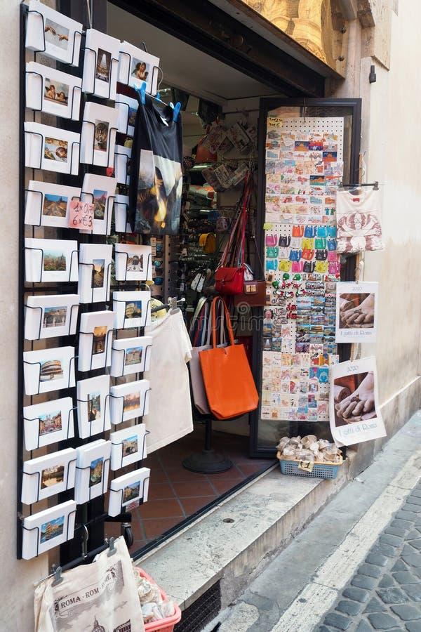 纪念品店在罗马,意大利 库存照片