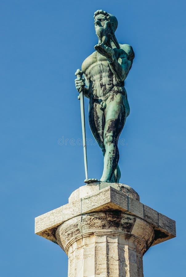 Download 纪念碑在贝尔格莱德 编辑类图片. 图片 包括有 东南, 的treadled, 旅行, 半岛, ivan, 欧洲 - 72368730