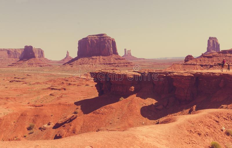 纪念碑犹他谷 狂放的西部美国 库存照片