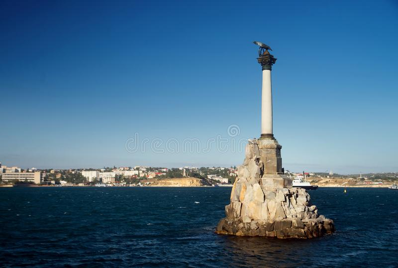 纪念碑被破坏的船 塞瓦斯托波尔,克里米亚 免版税库存照片