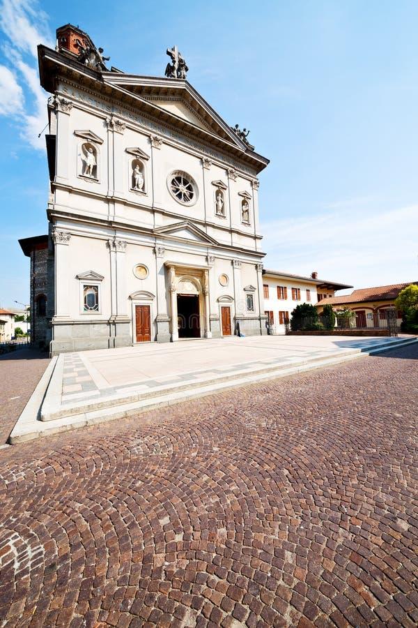 Download 纪念碑建筑学在意大利欧洲米兰和阳光 库存图片. 图片 包括有 艺术, 意大利, 都市风景, 拱道, 横向 - 62537219