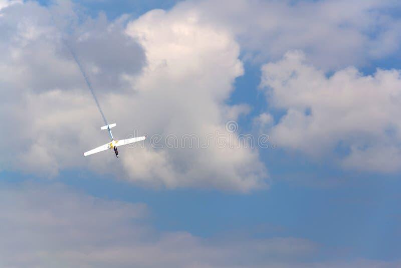 纯金属Erobatic的两位子让双重特技训练飞行的L-13AC Blanik滑翔机 免版税库存照片