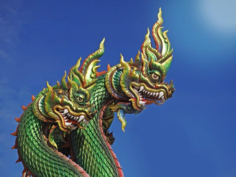 纳卡人或蛇雕象的国王与天空蔚蓝泰国的 免版税库存照片