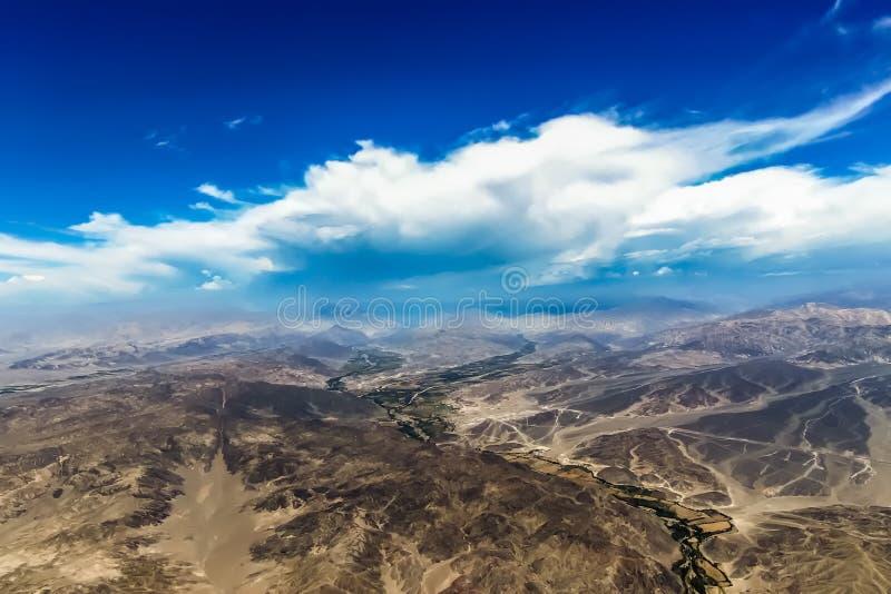 纳斯卡沙漠山岭地区的看法  图库摄影