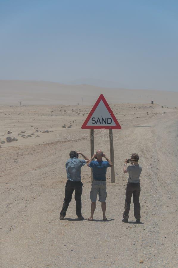 Download 纳米比亚-观光的游人 编辑类库存图片. 图片 包括有 沙子, 含沙, 观光, 采取, 沙漠, 符号, 历史记录 - 62539299