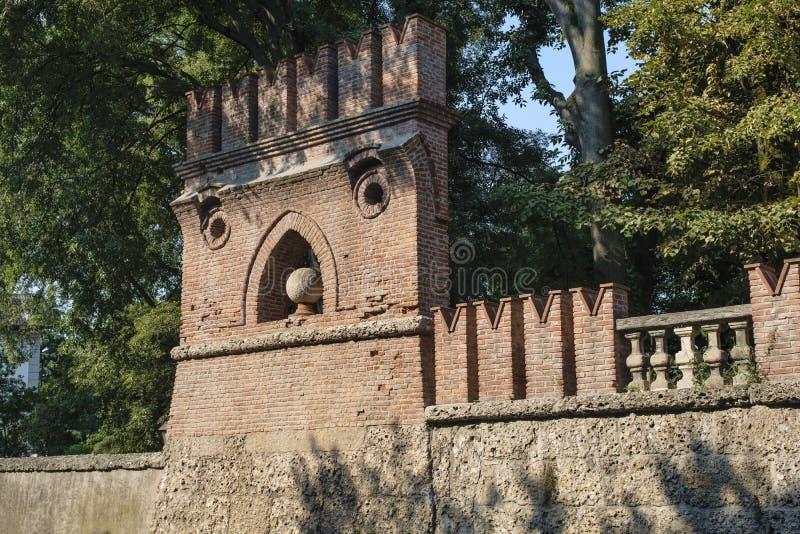 纳维廖河畔切尔努斯科米兰,伦巴第,意大利:墙壁 图库摄影