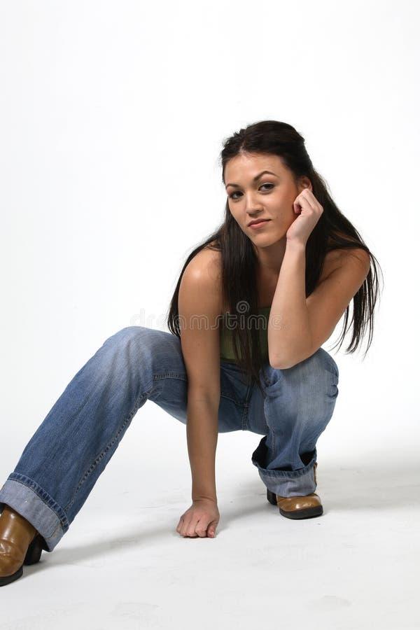 纵向俏丽的妇女 免版税库存图片